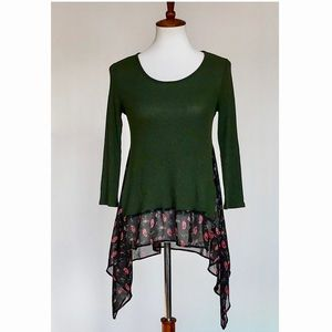 Le Lis Green Floral 3/4 Sleeve Mixed Media Top